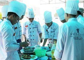 Học bếp Việt Nam, bếp Âu - Á phục vụ gia đình ngày Tết