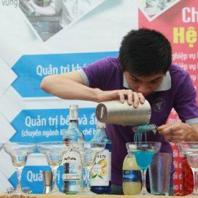 Bartender:  Nghệ thuật pha chế thức uống