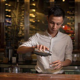 Nghề Bartender - Nghệ sĩ của những thức uống