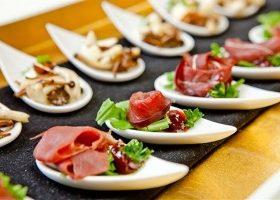 Vị bếp trưởng huyền thoại đưa các món ăn của Hoàng gia Pháp ra thế giới