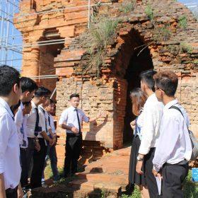 Nhiều hướng dẫn viên đăng ký học tại Việt Giao để tránh bị phạt