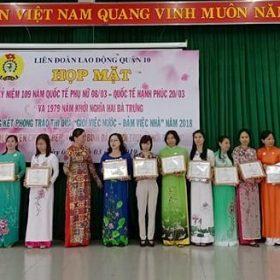 """Giáo viên trường Trung cấp Việt Giao được tuyên dương """"Giỏi việc nước, đảm việc nhà"""""""