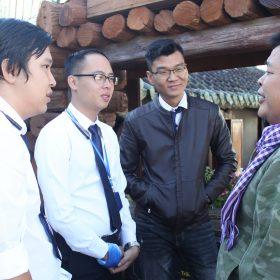 Hướng dẫn du lịch: Cơ hội nghề nghiệp hấp dẫn cho những bạn học hành dang dở