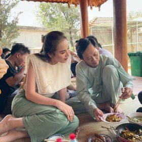 Hoa hậu Diễm Hương mê mẩn món ăn này của Hoài Linh, danh hài bật mí bí quyết nấu ăn ngon