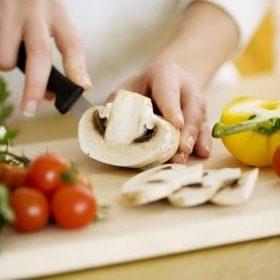 Học nấu ăn cơ bản cho người mới bắt đầu – 5 bước đệm cần lưu tâm